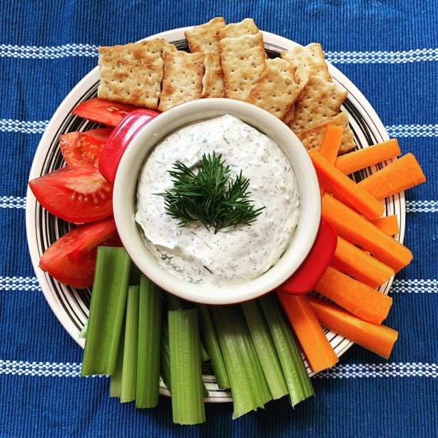 Looking for something to do with all your garden veggies?? Grab some of our yummy dill dip and start munching away! 🥦🥕🥒 . . . #diemandfarm #wendellma #farmstore #buylocal #eatlocal #familyfarm #westernma #franklincounty #pioneervalley #bealocalhero #othersidema #visitwesternma #igers413 #newengland_igers #igersmass #massachusetts_igers #freshveggies #homemade #dip