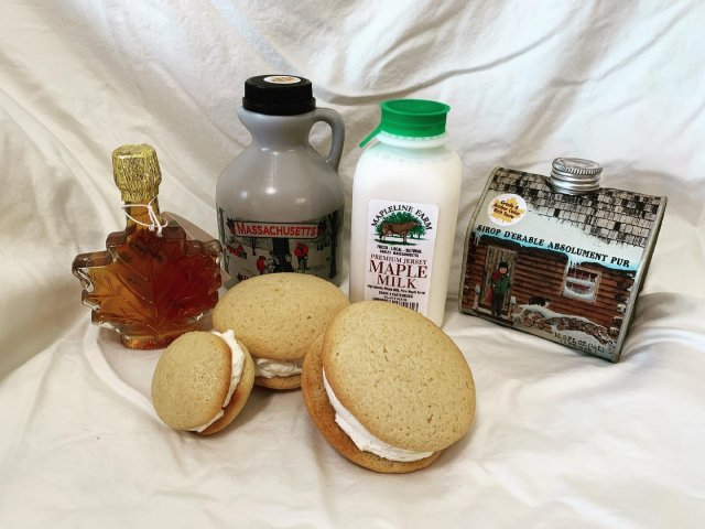 Did you know that March is maple month??! Stop by for your taste of Mapleline Farm maple milk, Sugarbush Farm maple syrup, and our delicious maple whoopie pies! 🍁 . . . #diemandfarm #wendellma #farmstore #shoplocal #buylocal #familyfarm #westernma #franklincounty #pioneervalley #bealocalhero #othersidema #visitwesternma #igers413 #newengland_igers #igersmass #massachusetts_igers #navigatingnewengland #roadtripnewengland #maple #maplesyrup @maplelinefarm